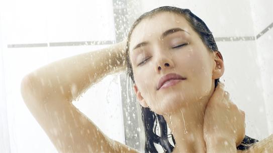 Thư giãn cùng vòi sen tắm nóng lạnh